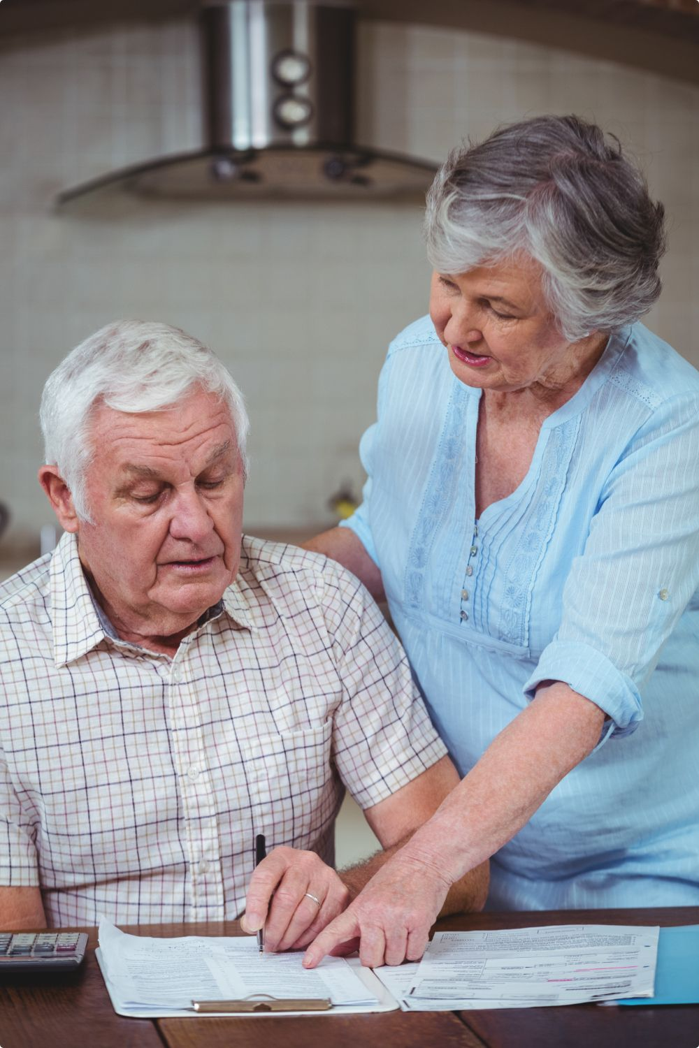 senior-couple-calculating-bills